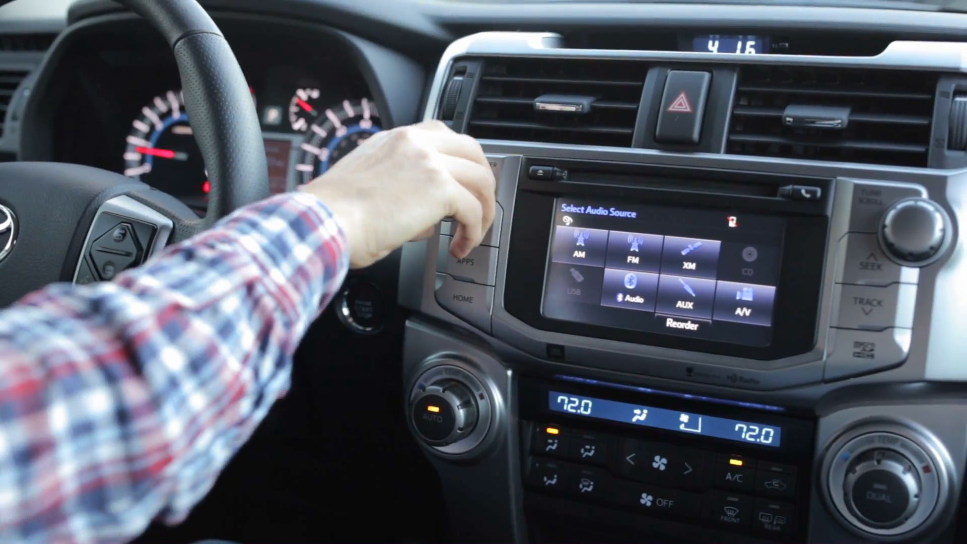 Helpful Tips to Reduce Distracted Driving