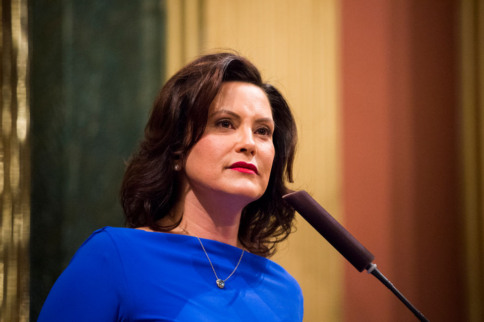 Whitmer announces support for hands-free driving law in Michigan